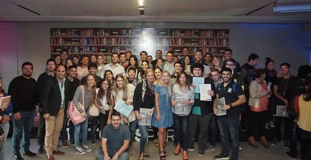 Estudiantes de UTN presentes en el lanzamiento del Programa Tutores Pares