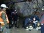 Chile: rescatan a un minero con vida, otro murió y buscan a un tercero