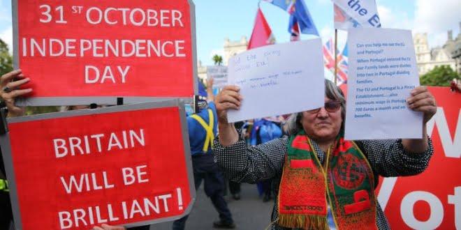 Día clave para el Brexit: Johnson enfrenta una rebelión y pierde la mayoría parlamentaria