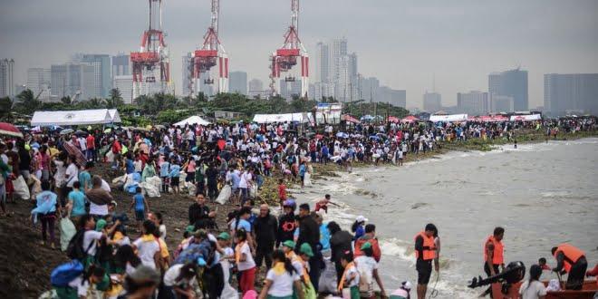 En fotos: miles de activistas limpiaron ríos y playas por el día de la Limpieza del Planeta
