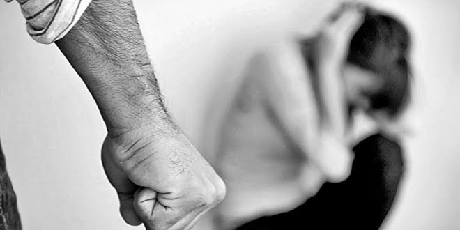 Arrestaron a un hombre por violencia familiar