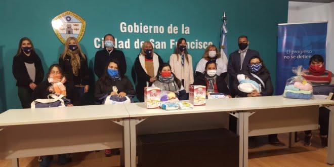 Se entregaron ajuares del Programa Protección de la Embarazada y su bebé