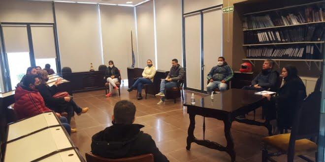 Vecinos adjudicatarios del LOTENGO tuvieron una reunión con diferentes bloques