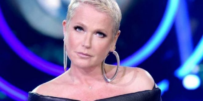 El escalofriante mensaje de Xuxa: «Yo maté a mi madre»