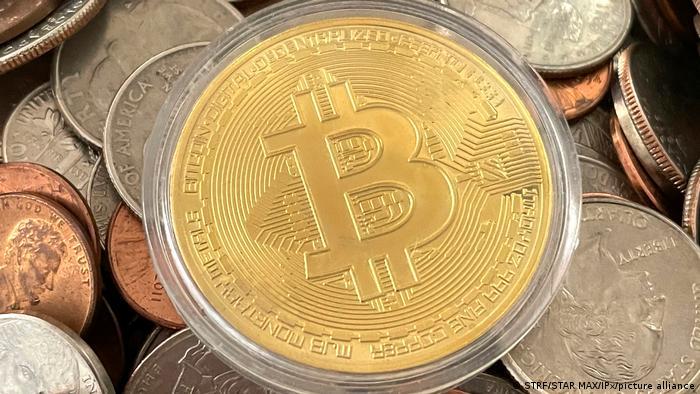 Día negro para el bitcoin: tuvo una caída de más de 10%