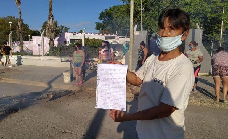 """Grupo de padres reclaman por el cierre de la guardería """"Maestro Aguirre"""""""