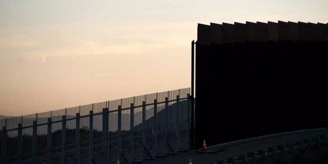 Frontera México-EEUU: dos nenas ecuatorianas fueron lanzadas sobre una valla