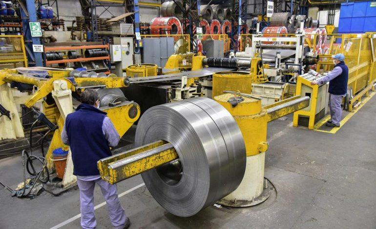 La producción de la industria pyme se aceleró 13% en marzo