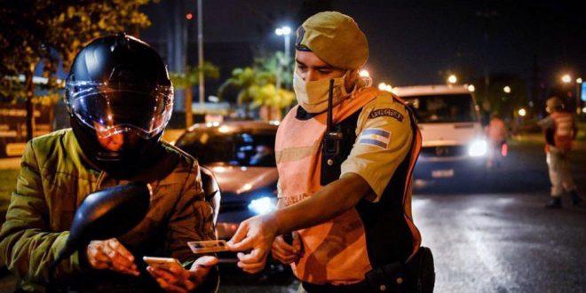 Fuerzas federales controlan el cumplimiento de las restricciones en el país