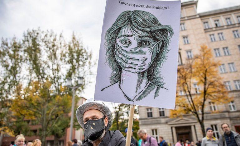 Alemania: casi 70 detenidos en una violenta protesta contra las restricciones por el coronavirus
