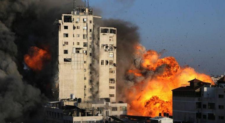 Ataque de Israel destruyó edificio de canal de TV palestino