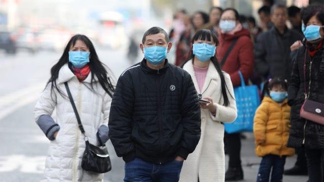 Los casos semanales de COVID-19 en el mundo bajan por primera vez desde febrero