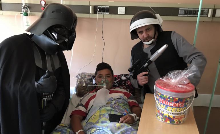 Julio Nieva, el Darth Vader cordobés que visita los Hospitales