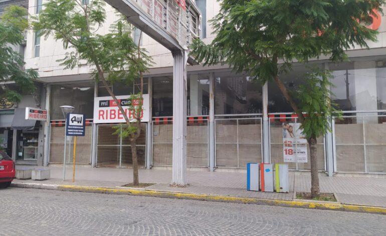 Ribeiro paga los sueldos adeudados con mercadería