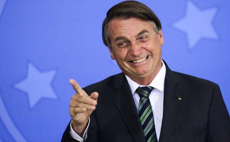 Jair Bolsonaro le pidió a un ministro que grite como Tarzán