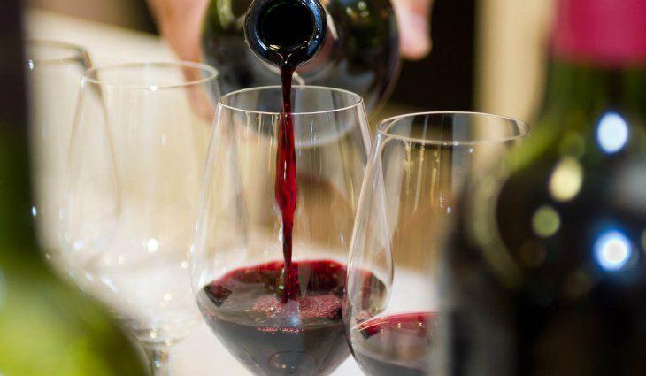 La AFIP subasta más de mil cajas con botellas de vino y champagne secuestradas por la Aduana