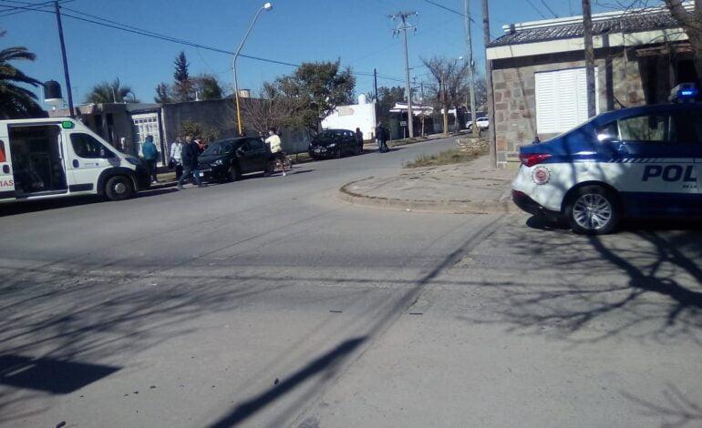 Accidente de tránsito en la intersección de Lamadrid y Ecuador