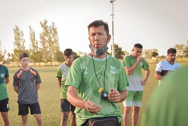 Komorosvki debutará en el banco de Porteña