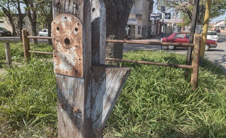 Vecinos denuncian la falta de barreras en los pasos a nivel