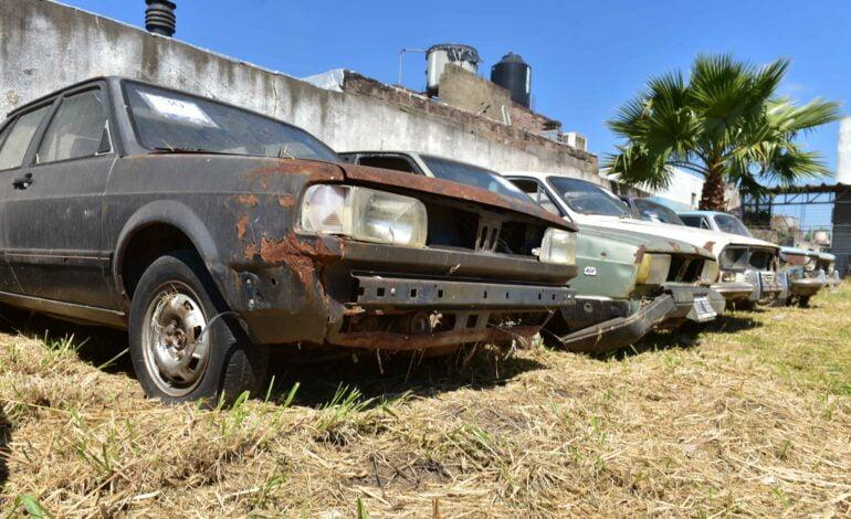 El municipio rematará cerca de cien vehículos retenidos años atrás